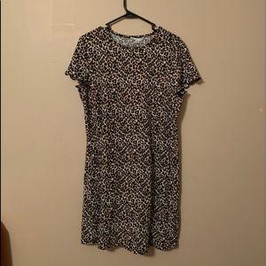 AE KNIT CHEETAH T-SHIRT DRESS(never worn)